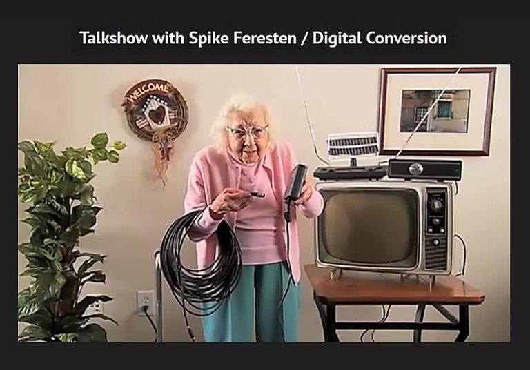 אישה אנלוגית בעולם דיגיטלי ככה הייתי כמו הסבתא בתמונה