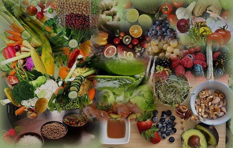 דיאטת אנטי אייג'ינג ומזונות בריאים - תמונה של מזונות בראים ירקות, פירות, קטניות, דגנים, שורשים, נבטים.