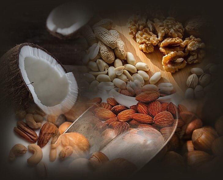 דיאטת אנטי אייג'ינג - אגוזים ושקדים .