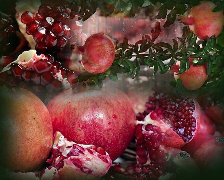 דיאטת אנטי אייג'ינג - רימונים. תמונה של רימונים וגרגרי רימון.