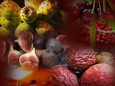 דיאטת אנטי אייג'ינג - תמונה של סופר פוד מזונות על דובדבנים, סברס, תאנים ופסיפלורה .