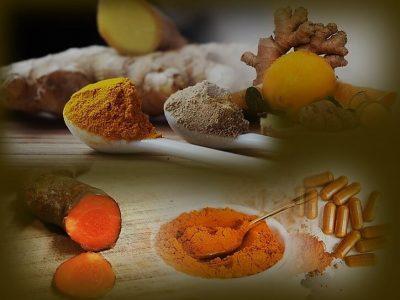 דיאטת אנטי אייג'ינג - תמונה של שורש ג'ינג'ר שורש כורכום ולימון.